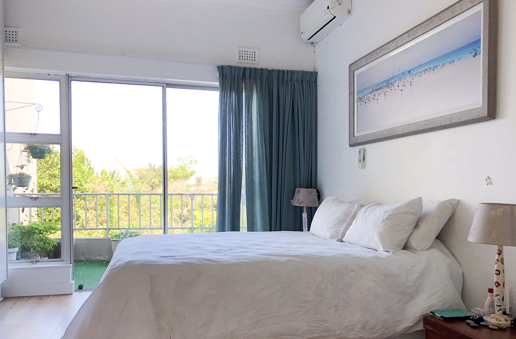 The main ensuite bedroom in Umdloti